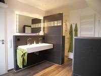 design-bad-badezimmer-fliesenarbeiten-nz-bau